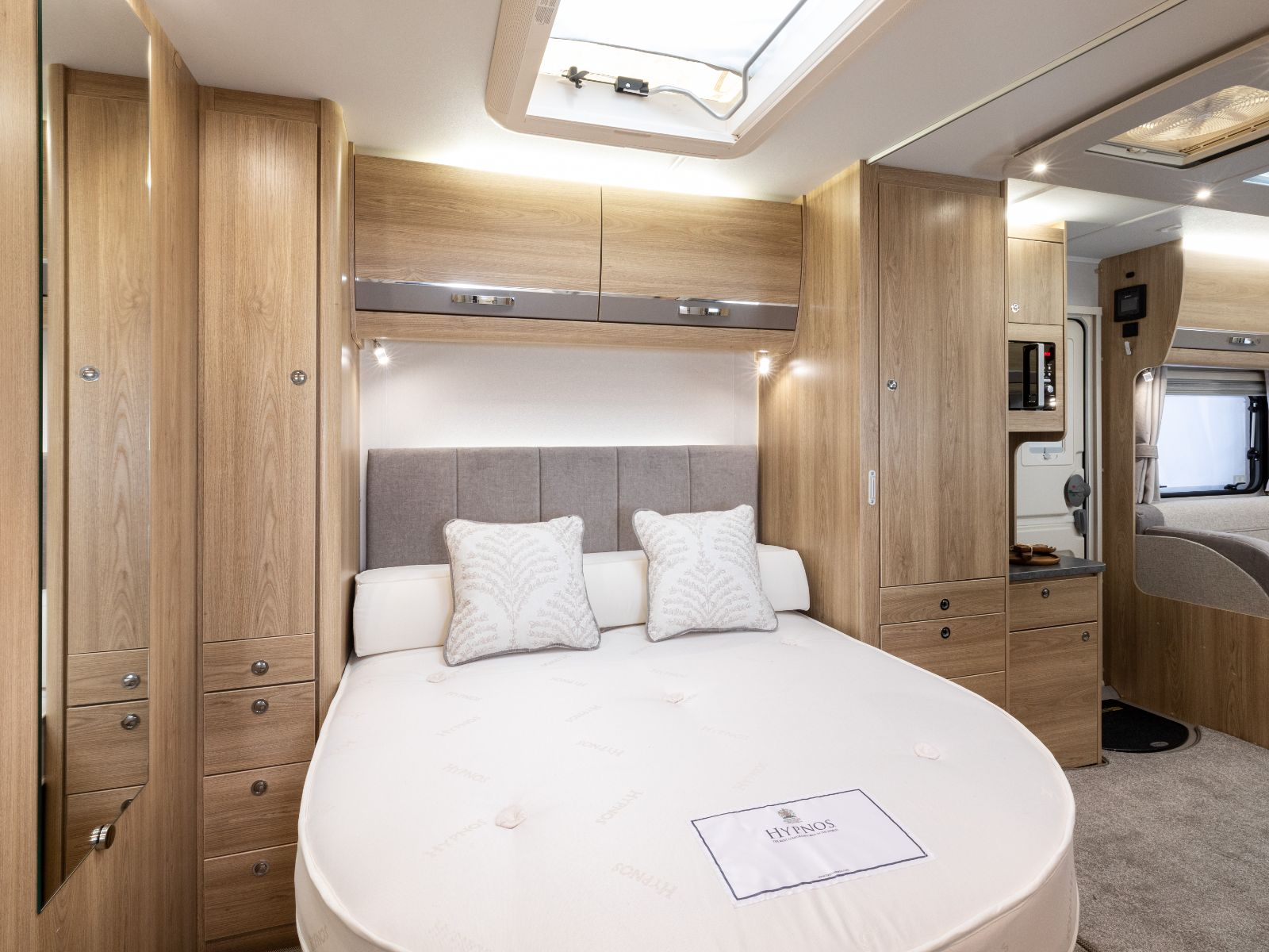 Avante GTS 554 Bedroom Layout'