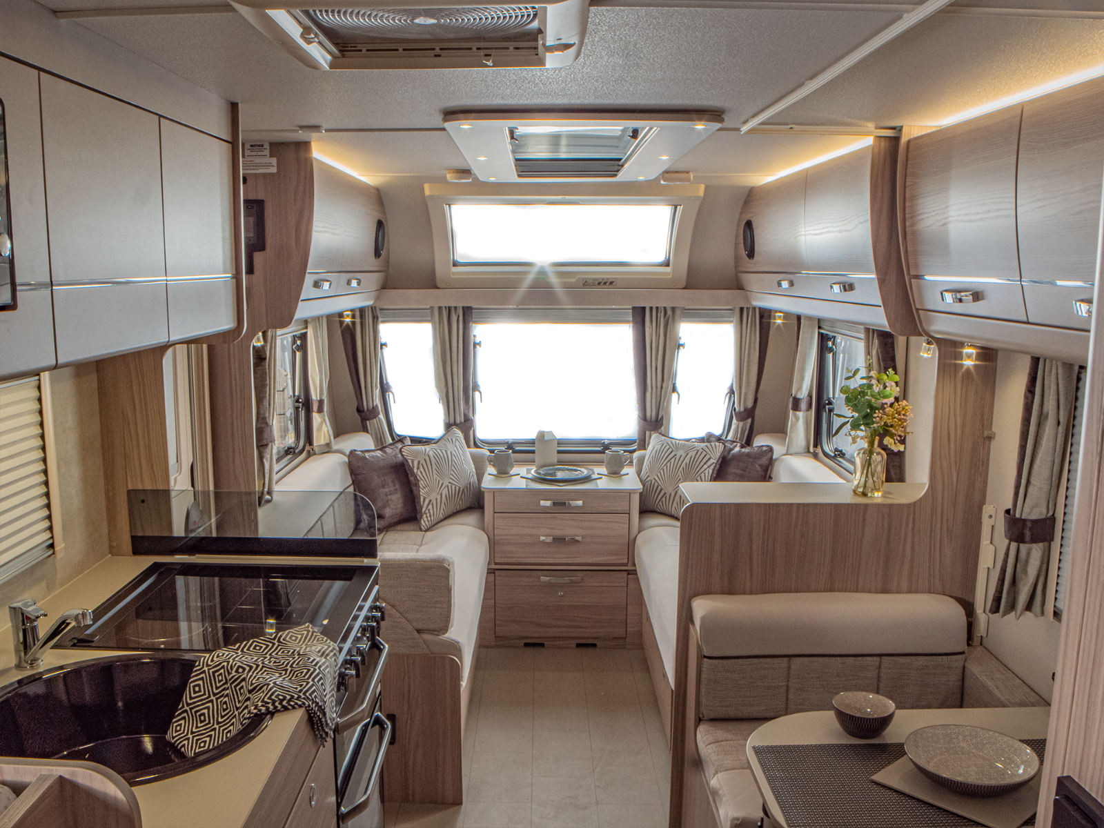 Magnum GT Caravan Lounge and Kitchen Layout'