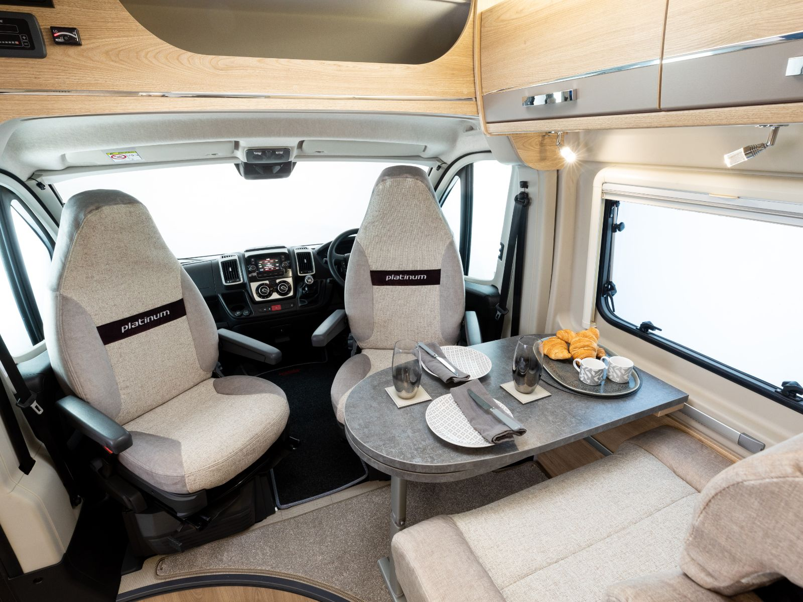 Platinum CV40 Driving Area with Dinette'