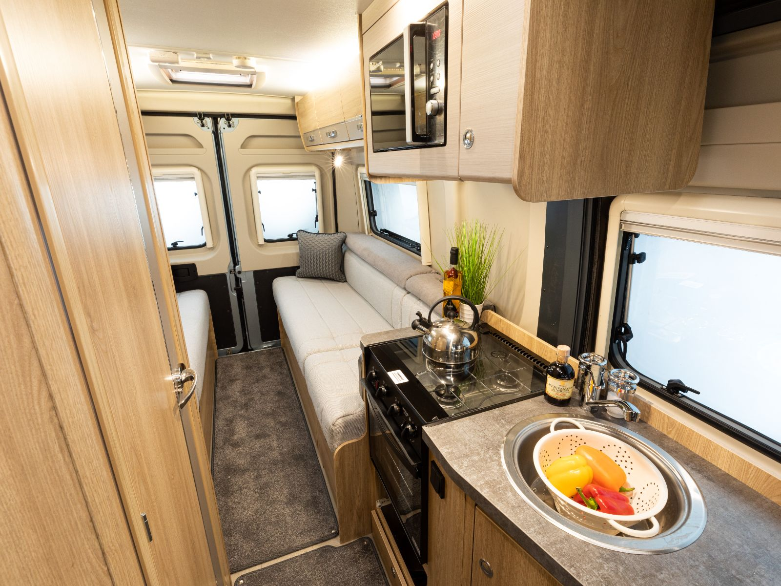 Signature CV20 Kitchen Layout'
