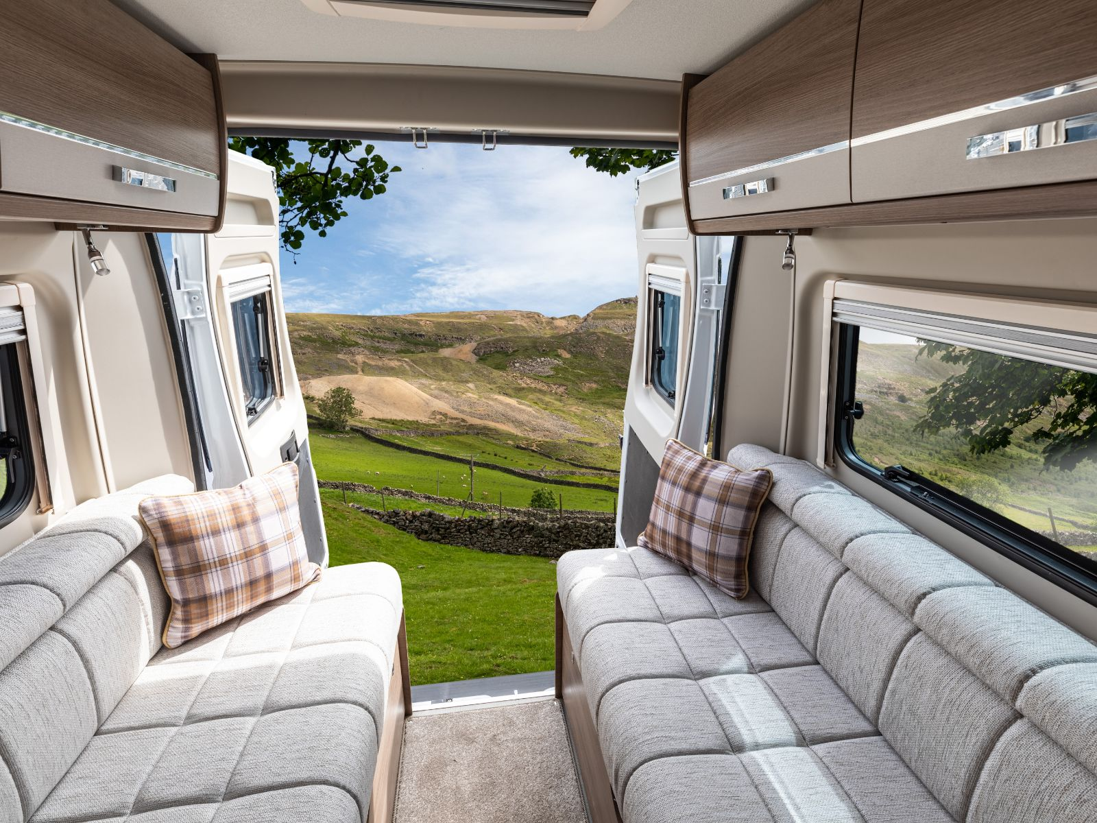 Rear lounge with a countryside backdrop '