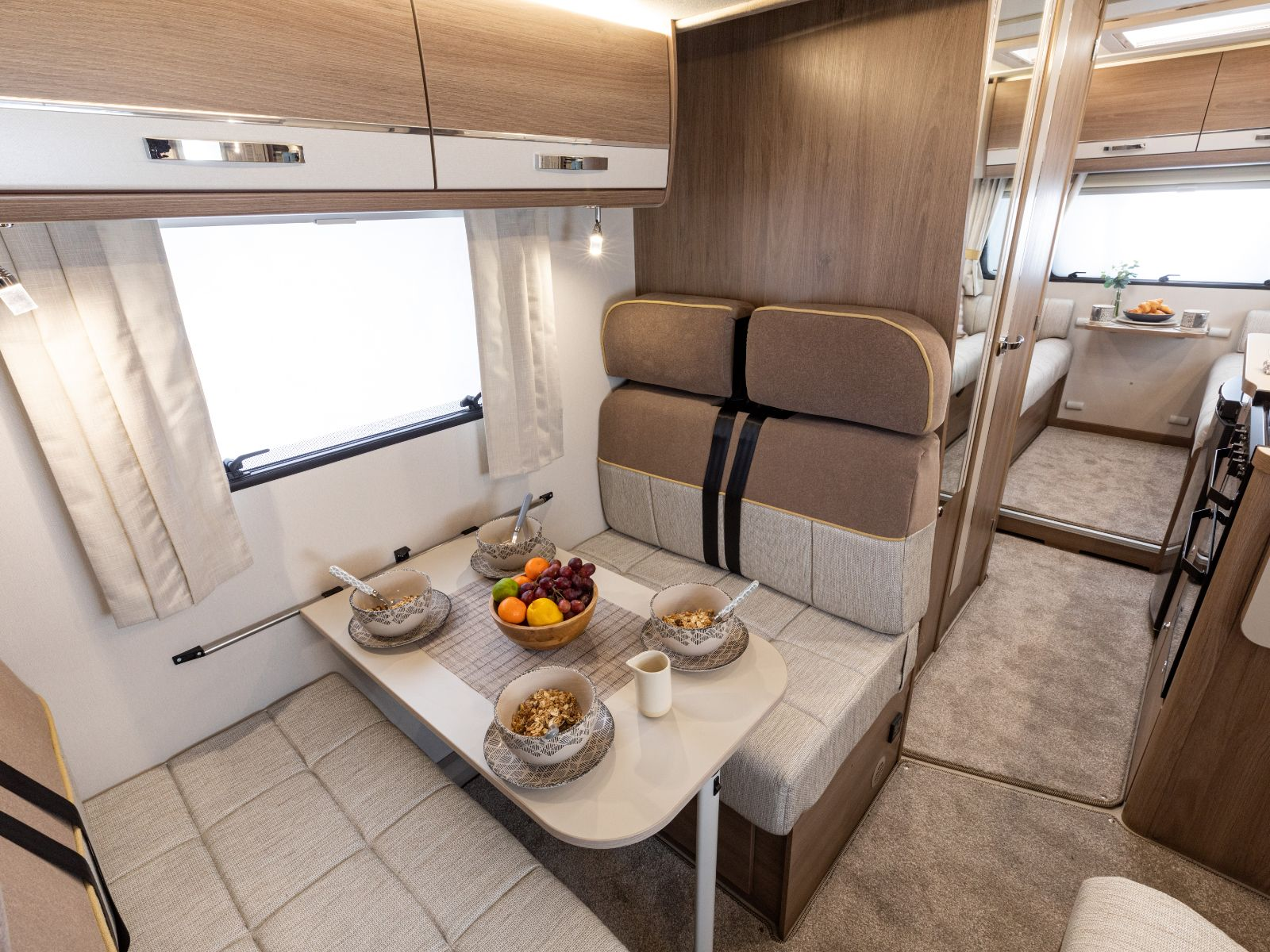 Side dinette with four travel seatbelts '